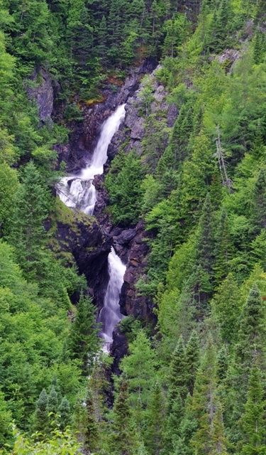 Chute du Diable - seen hiking to Mont Albert in Quebec