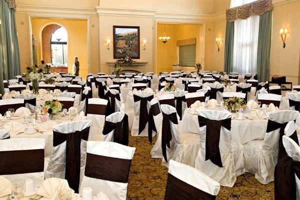 Pin By Lauren Haas On Wedding In 2020 Banquet Facilities Quad Cities Home