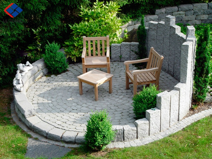 For top of garden bedposts into ground to retain top of ... on Inclined Backyard Ideas id=41554