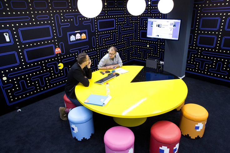 Pac-Man Office Conference Room. Pac Man Table, Inky, Blinky, Pinky, & Clyde Ghost Chairs - at the Cool Blue offices in the Netherlands