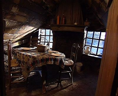 Interieur van een plaggenhut vorige eeuw dutch and for De laat interieur