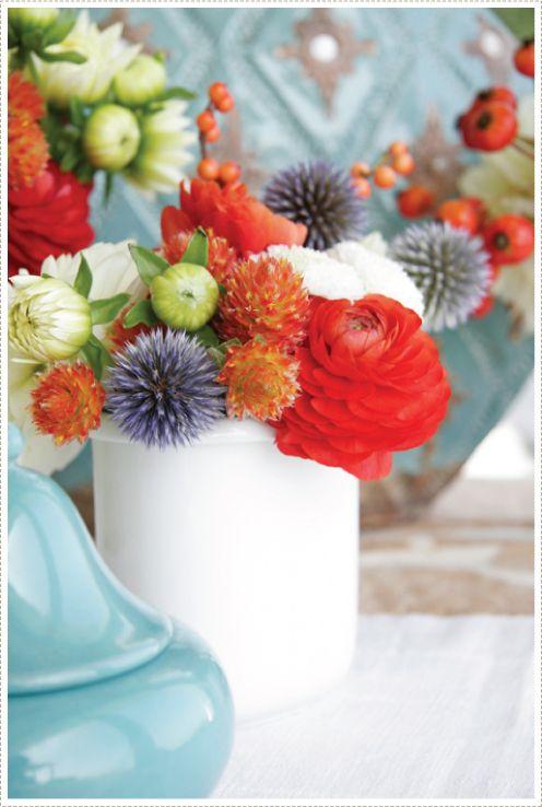 a creative mint: Creative Mint, Turquoi Weddings Floral, Color Schemes, Acreativemint Photo, Bouquets, Floral Red, Flower Arrangements, Flower Arrangementranunculus, Floral Arrangements