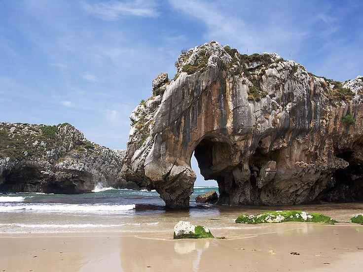 Playa de Cuevas del Mar - Asturias