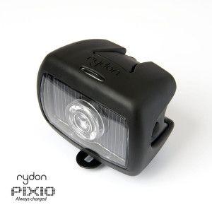 Rydon Pixio, de solar fietslamp. Met het ingebouwde zonnepaneel laadt de fietslamp overdag op en heb je 's avonds dus altijd licht op je fiets! Dutch Design.
