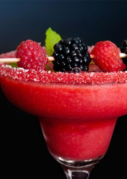 4 Summer Cocktail Recipes (with beauty benefits!)