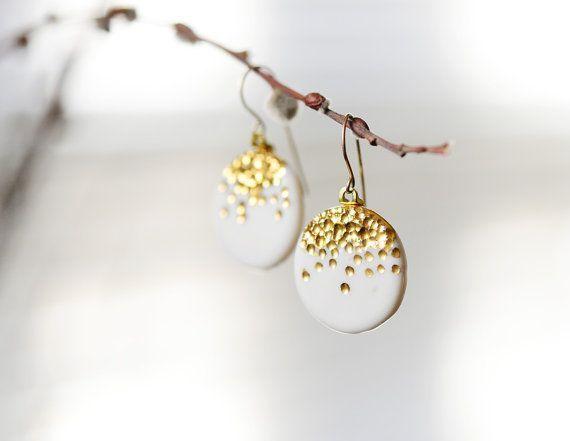Midnight Kiss – or porcelaine blanc Dangle Earrings – Boucles d'oreilles en céramique, rempli de 22 carats avec or 14 k fils de français oreille