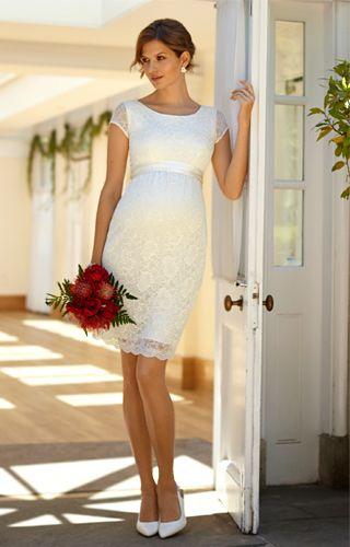 Das klassische Schwangerschafts-Hochzeitskleid Emma im Etuistil bietet zugleich optimalen Komfort und reizende Stilsicherheit.