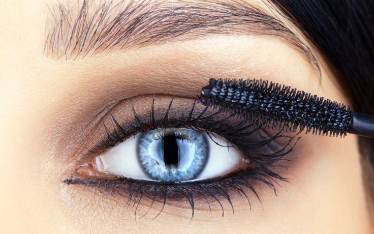 Korosta sinisten silmien väriä