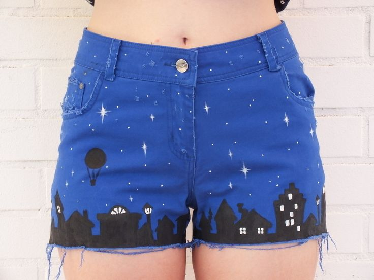Distressed Nightsky Shorts  •  Free tutorial with pictures on how to decorate a pair of painted shorts in under 90 minutes