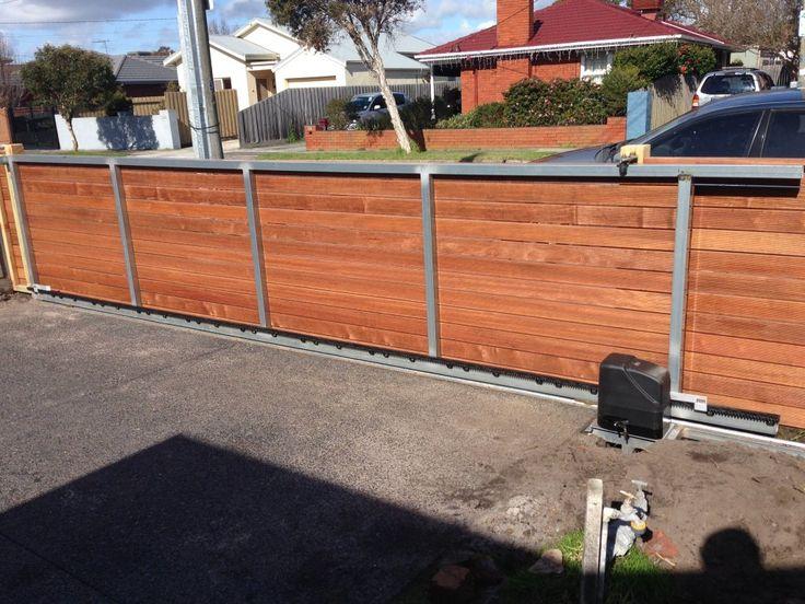 Sliding gate, automatic driveway gate, motorised sliding gate