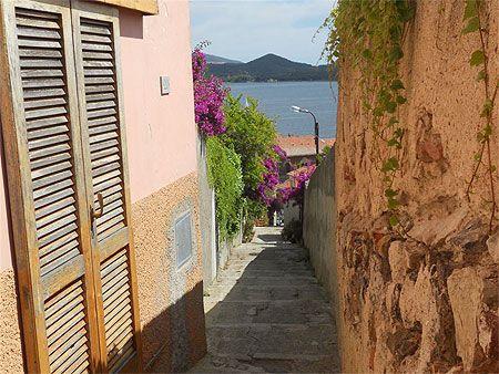 Ruelle de Portoferraio :: Portoferraio :: Ile d'Elbe :: Littoral toscan :: Toscane :: Routard.com