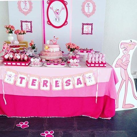Festa fofa com tema divertido e original: Pantera Cor-de-rosa, bu @cherryontopbrasil  #kikidsparty