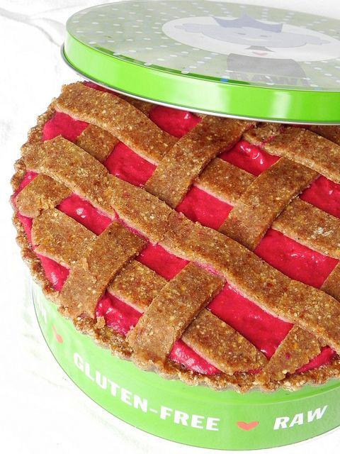 Austrian Linzer Torte with raspberry jam filling (#raw #vegan #paleo)