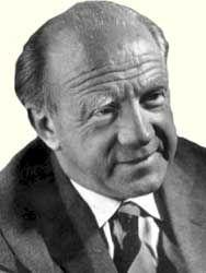 Вернер Гейзенберг (Хайзенберг) (Heisenberg) — немецкий физик-теоретик, один из создателей квантовой механики, автор многочисленных трудов по физике и философии. Предложил (в 1925 году) матричный вариант квантовой механики; сформулировал (1927) принцип неопределенности; ввел концепцию матрицы рассеяния (1943). Труды по структуре атомного ядра, релятивистской квантовой механике, единой теории поля, теории ферромагнетизма, философии естествознания…