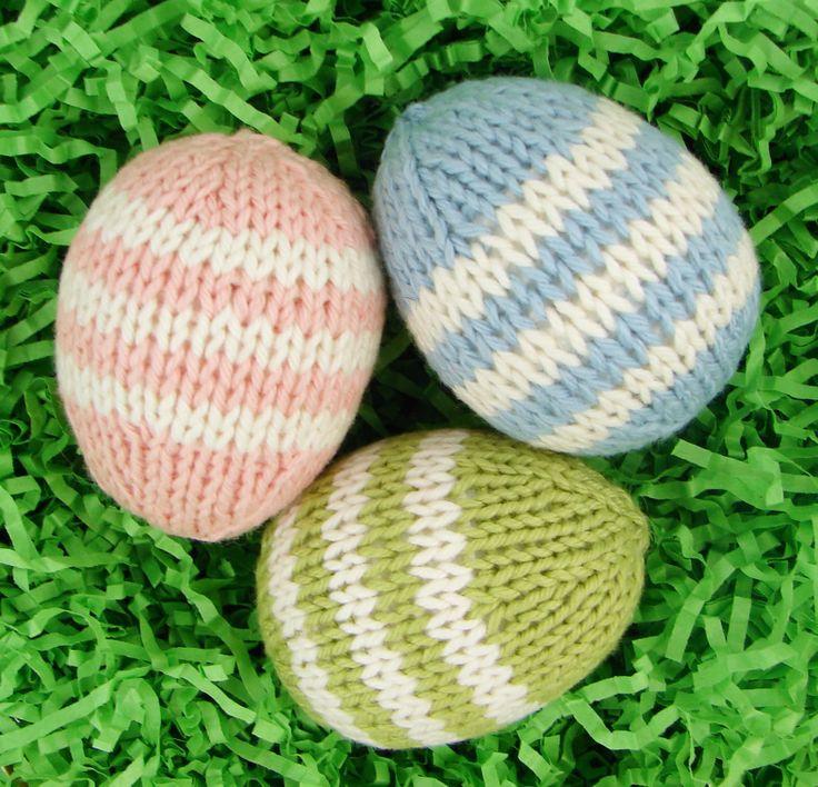 Easter Egg - Free Knitting Pattern here:  http://auntieemsstudio.blogspot.com.es/2014/04/easter-egg-pattern.html?m=1
