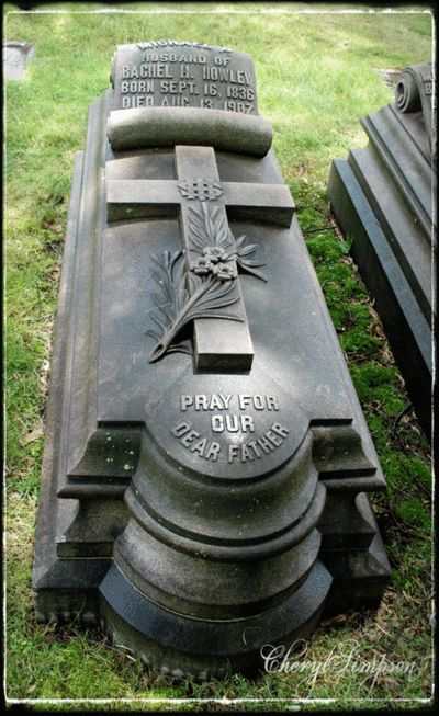 Marker- Michael Howley at the Smithfield Cemetery, Pittsburgh, PA. photo: Cheryl Simpson. http://www.thefuneralsource.org/cempa.html