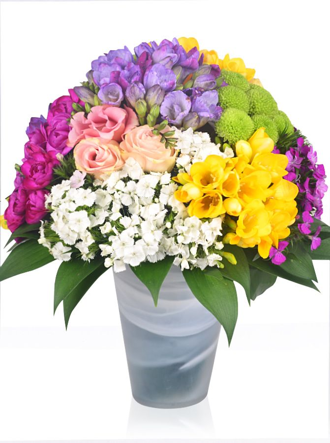 Mevsim çiçekleri ile süslenmiş bu çiçek aranjmanına http://www.cicekvitrini.com/cicekler/anneye-cicek adresimizi kullanarak sipariş verebilirsiniz.