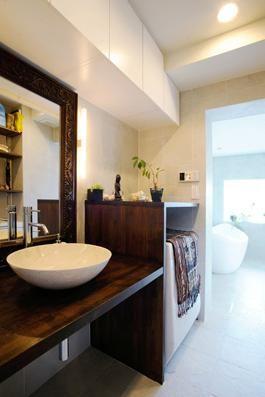 バリ家具のある洗面室(SWITCH -宝塚のマンションリンベーション-) - バス/トイレ事例|SUVACO(スバコ)