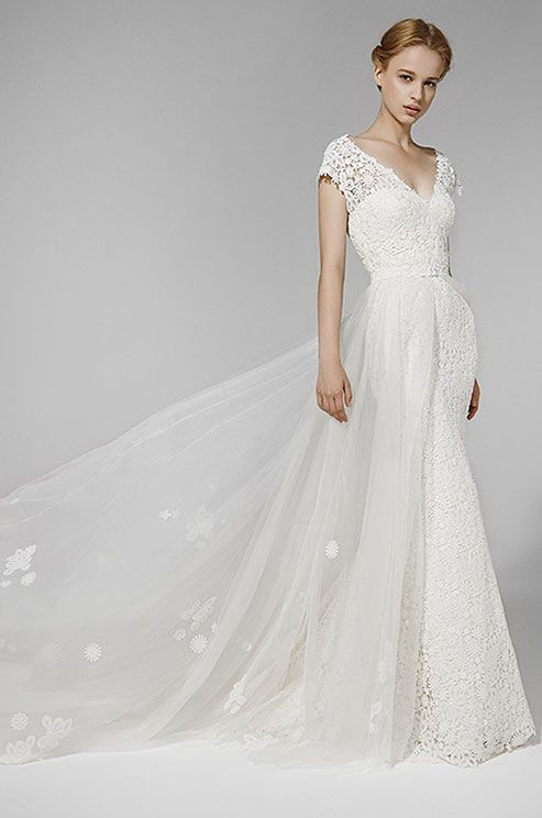 Mermaid Wedding Dress In Lace With Detachable Overskirt In