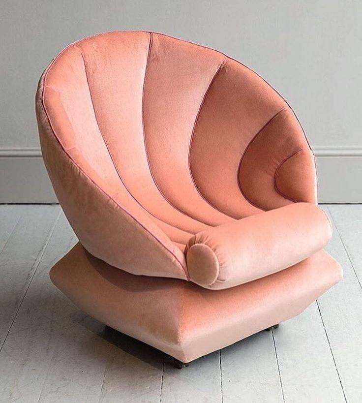 Cozy seashell chair