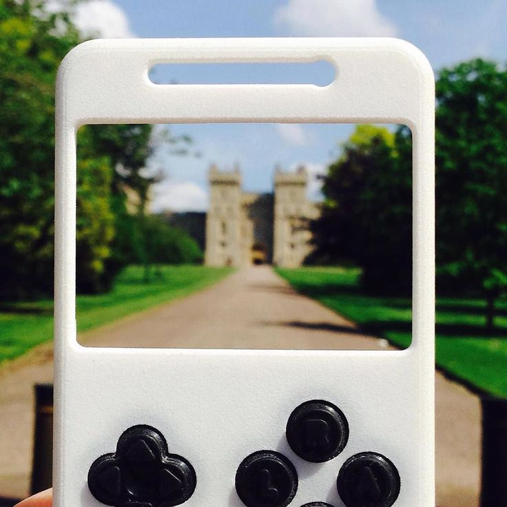 #tbt Windsor Castle   Do you like #London ? . . . #travelling #the world # #uk #godsavethequeen #turnand #turnandplay #smartphone #case #mobileaccessories #hardware #tech #startup #thessaloniki #unique #fun #entertainment #gaming