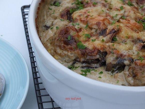 Zapiekane ziemniaki w sosie kremowym z pieczarkami i serem