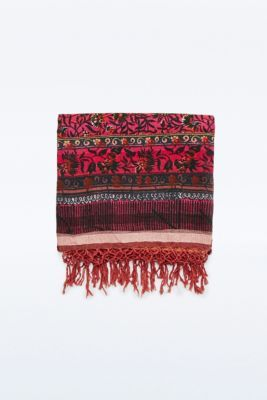 High Vibes Blanket in Red