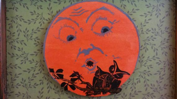 Vintage Style Halloween Moon and Owl Wall by TreesHolidayToday