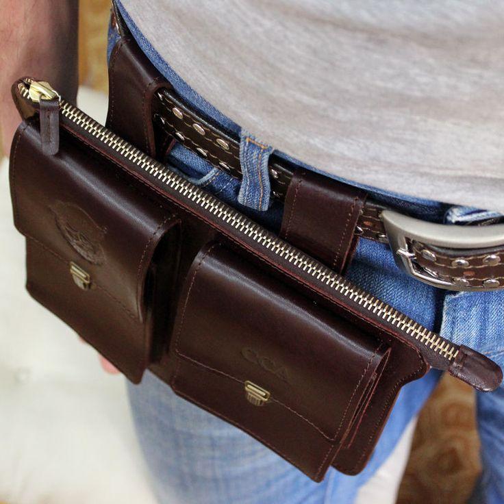 Друзья, шью сумки на пояс из натуральной кожи. Размер, дизайн, цвет кожи, фурнитура - на ваш выбор. Учту все пожелания. Результат будет превосходный Посетите мою мастерскую, обсудим все детали. Будем шить! Сумок очень много, так почему люди приходят к нам с заказом на пошив кожаной сумки? Все мы разные... Нам бы вот точно такую же сумку, но с карманом шире, уже, и застёжку другую!