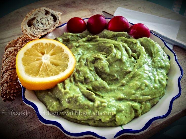 Creamy avocado. Avokádó krém, friss idényzöldségekkel.