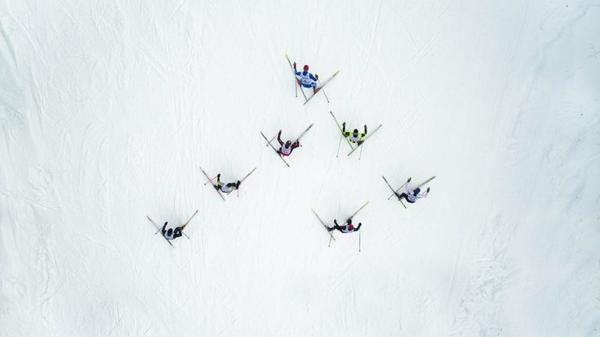 雅虎科技新聞: 2016最佳無人機攝影作品 - Yahoo奇摩新聞 - 俄羅斯,滑雪比賽