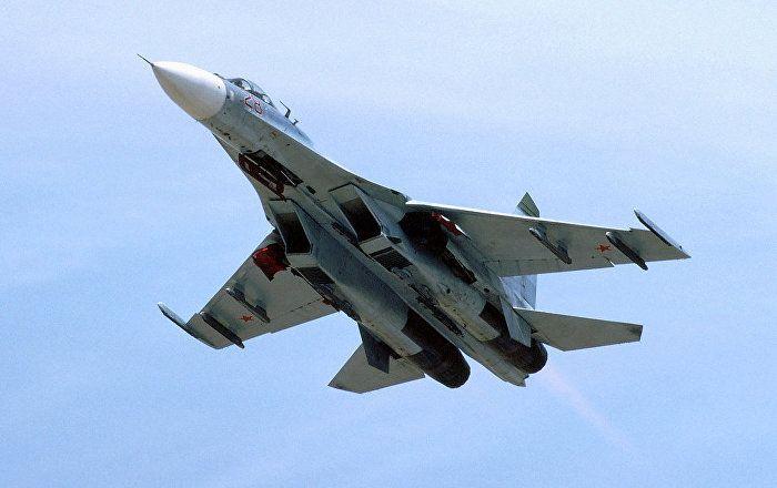 Um avião militar russo realizou uma interceptação de avião-espião dos EUA durante sobrevoo no mar Negro, de acordo com os representantes do Ministério da Defesa dos EUA, citados pela agência Reuters.