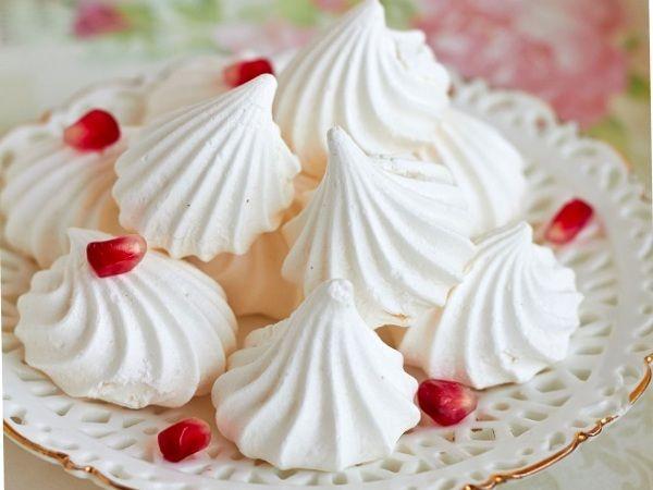Meringues (Meringue). good dessert recipes, healthy desserts