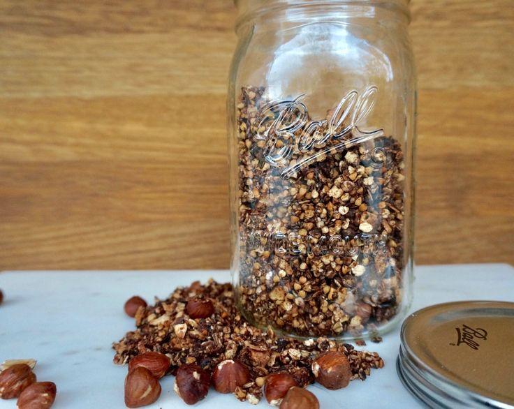 Schoko-Granola mit Buchweizen: Die meisten Müslis und vor allem Granola, welches man bereits fertig kaufen kann, sind mit (viel) industriellem Zucker...