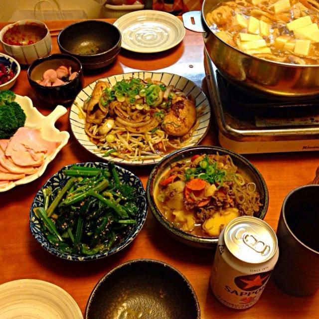 バタバタしていて up なかなか出来なかったよ〜 久々  写メ 撮った✌️ - 10件のもぐもぐ - 豚の生姜焼き  肉じゃが  ほうれん草の胡麻和え  ハム&ブロッコリー&プチトマトのサラダ  具だくさん汁物 by miyuyasushima