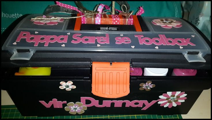 baby shower daddy's toolbox for baby did these with my silhouette cameo