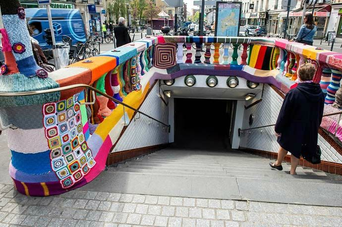 mairie-des-lilas-tricot-yarn-bombing