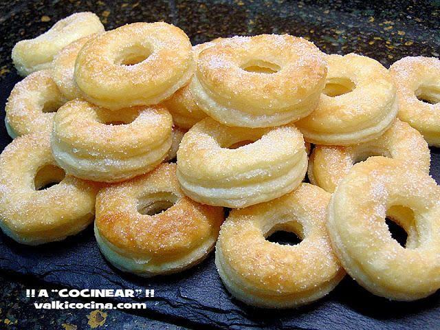 Receta de Rosquillas de hojaldre y azúcar | Eureka Recetas