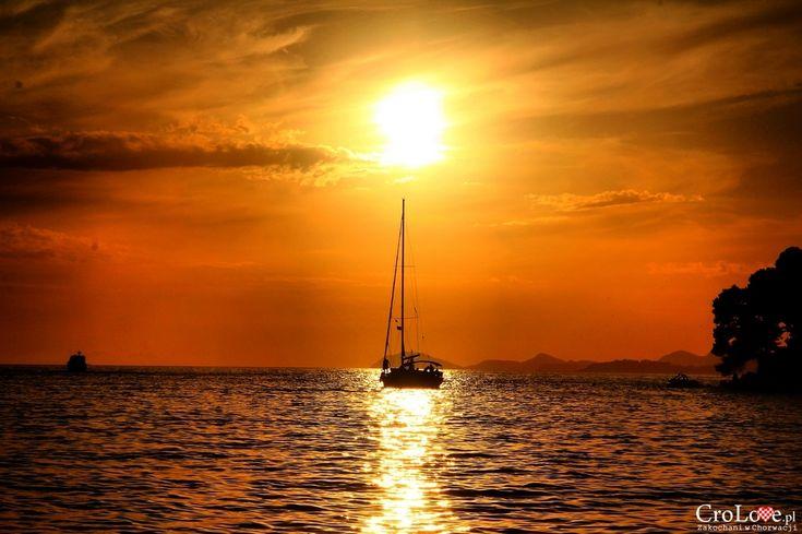 Zachód słońca w Cavtacie || http://crolove.pl/25-zdjec-ktore-sprawia-ze-zakochasz-sie-w-chorwacji/ || #Chorwacja #Croatia #Hrvatska #Kroatien #Photos