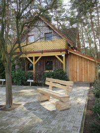 Ferienhaus Knopf auf Zinnowitz: 1 Schlafzimmer, für bis zu 2 Personen. Ferienhaus Knopf mit 3 Ferienwohnungen direkt am Küstenwald | FeWo-direkt