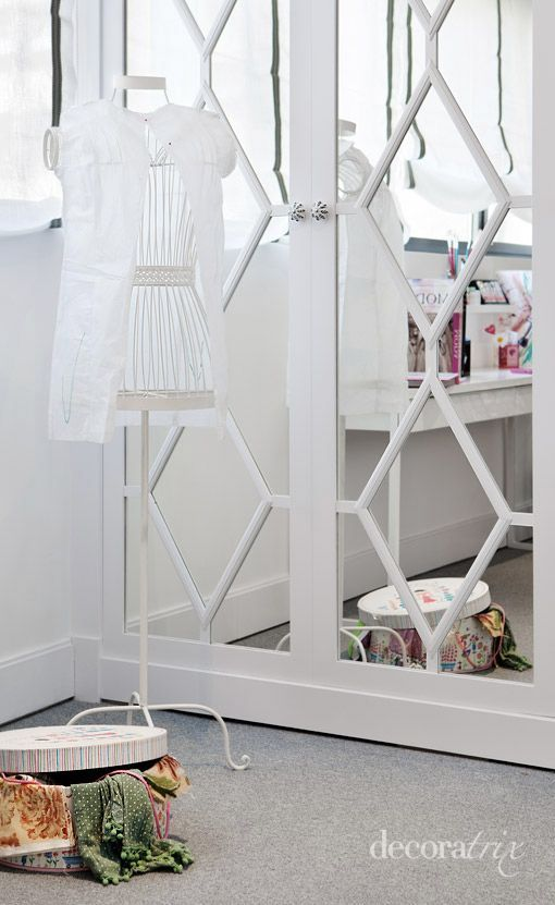 Girls Room – decorate closet doors with mirrors and painted wood