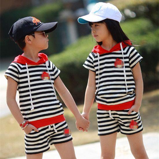 Pas cher 2014 nouveaux estivale nouveau mode enfants définit garçons filles rayé t  shirt à manches courtes et un pantalon costumes vêtements vêtements d'enfants pour les enfants, Acheter  Tenues de qualité directement des fournisseurs de Chine:                                            2014New bébé 2Pcs mis Bonjour Kitty Tee + mini jupe + Silver Bow vê