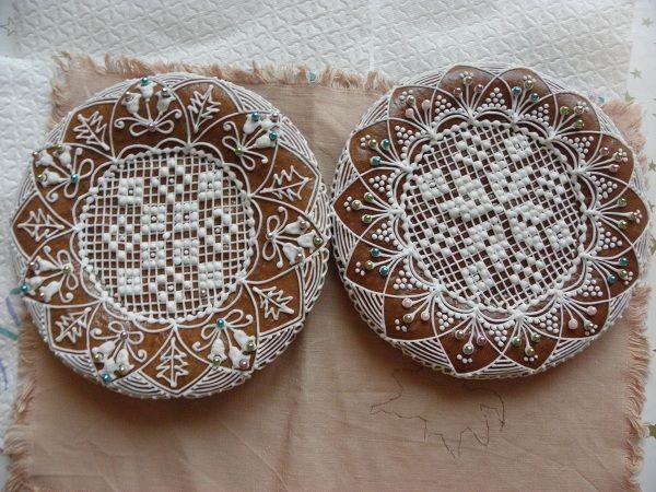 à transposer en porcelaine froide ou bois+ dentelles&broderies anciennes de récup+peinture à cerner/DB