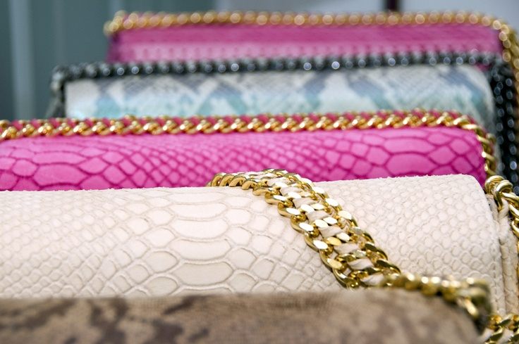 How can you not... have one of these beauties ~ Bags by Cashhimi