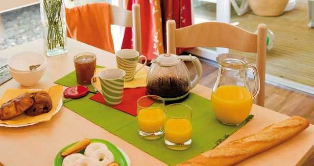 Mobil-home Plus d'infos sur : http://www.vacances-directes.com/locations/mobil-homes/