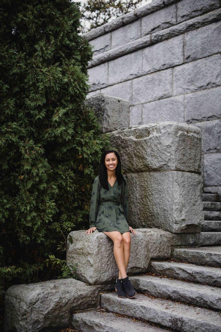 Lincoln Park Zoo with Oswego high school senior by Chicago portrait photographer Katharine Hannah