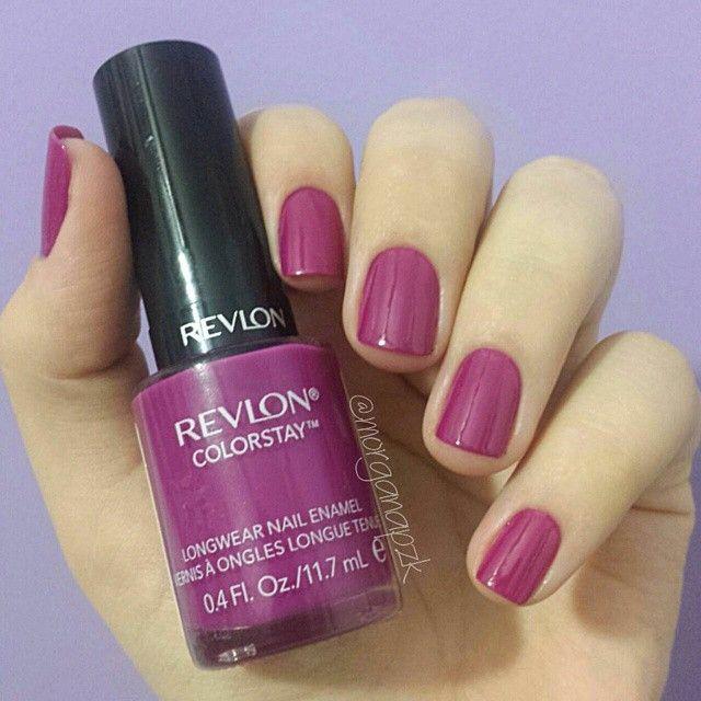 Rich Rasperry da Revlon. Unhas roxas   Purple Nails   Instagram by @morganapzk