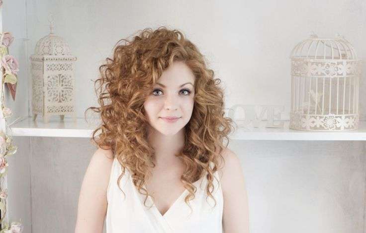 I want this hair cut!  Top 5 Curly Hair Sins It took me years to figure all this out on my own! I wish I would have seen this when I was 13, would have made life so much easier! IF YOU HAVE CURLY HAIR READ THIS!