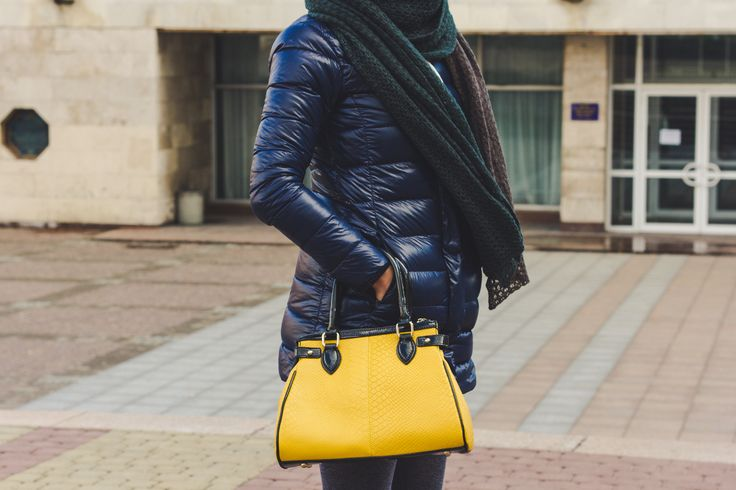 Street Style   #streetstyle #womanbags #leatherbags