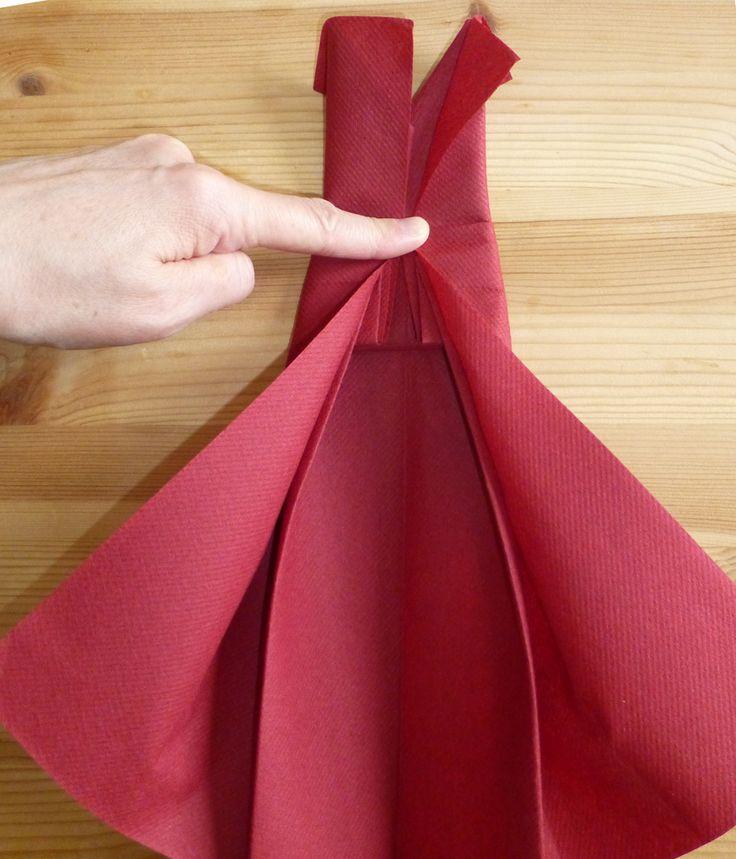 les 25 meilleures id es de la cat gorie pliage serviette robe sur pinterest. Black Bedroom Furniture Sets. Home Design Ideas